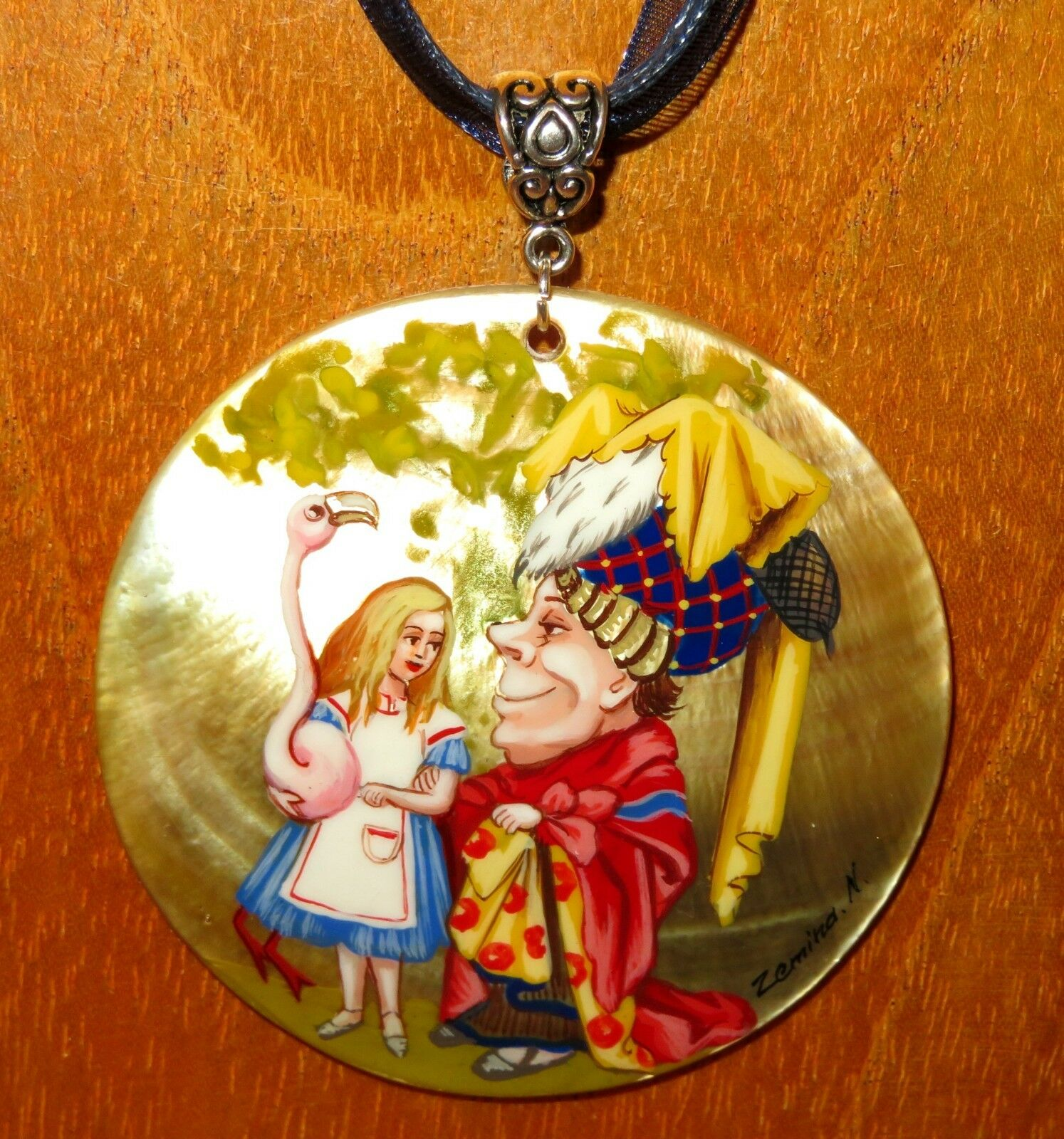 Alice in Wonderland & Ugly Duchess Shell pendant Russian hand painted GIFT