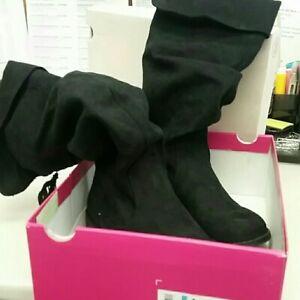Kohls, Black Suede Girls Boots, size