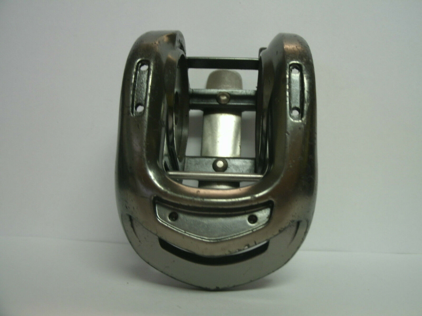 USED SHIMANO BAITCASTING REEL PART - Chronarch CH 100B - Frame Assembly - Lot H