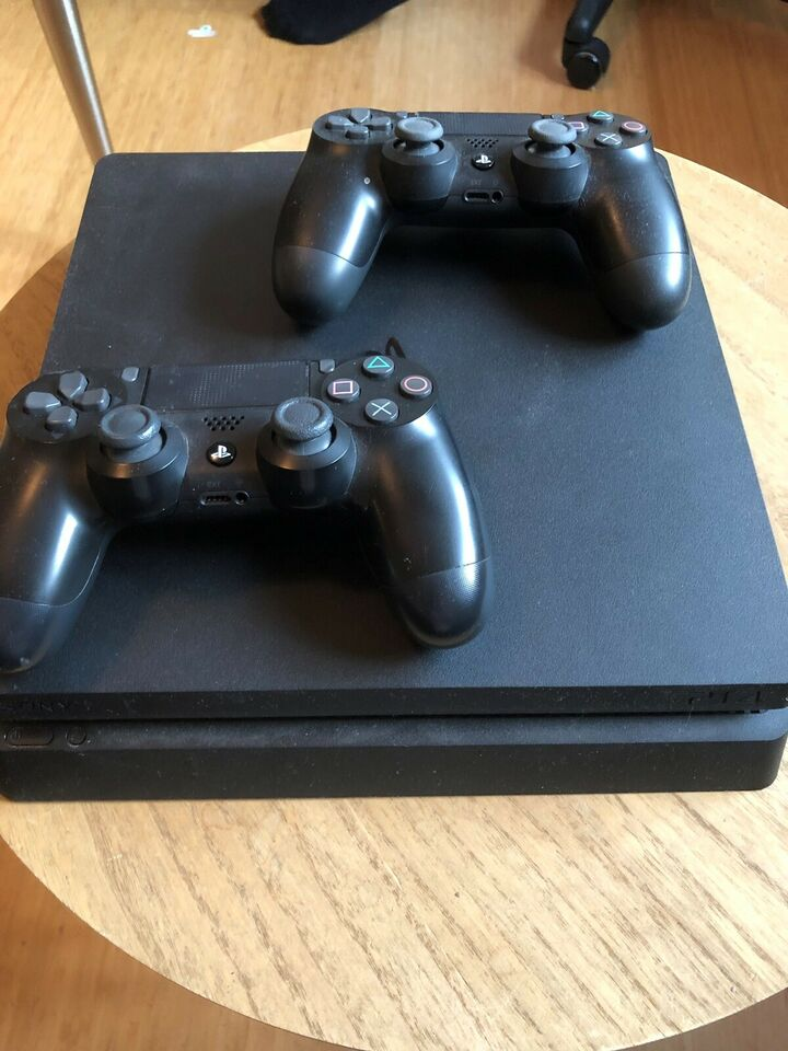 PlayStation 4 slim  500 GB incl  Sims 4
