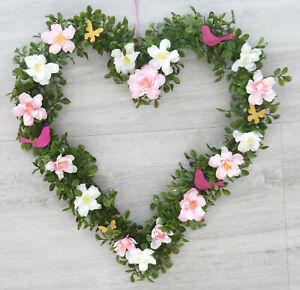 Tuerkranz-Herz-Fruehling-rosa-weiss-pink-35cm-Buchsherz-Sommer-Hochzeit-Bluetenkranz