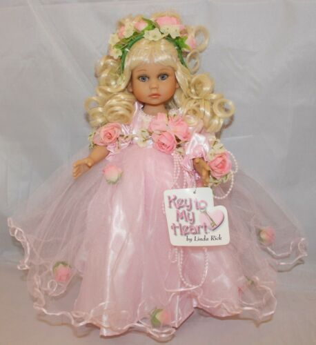 """The Doll Maker 12/"""" BLONDE Pretty as Can Be Vinyl Doll Key to my Heart"""