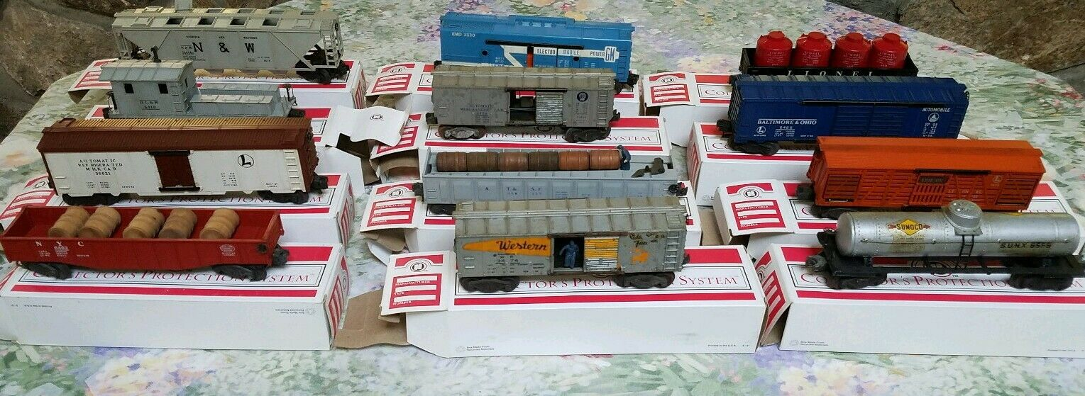 Lot of 12 Lionel Train Vintage Box Cars Amazing group   Ja