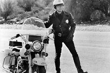 Robert Blake Pose Harley-Davidson Shovelhead Electra Glide Blue 11x17 Poster