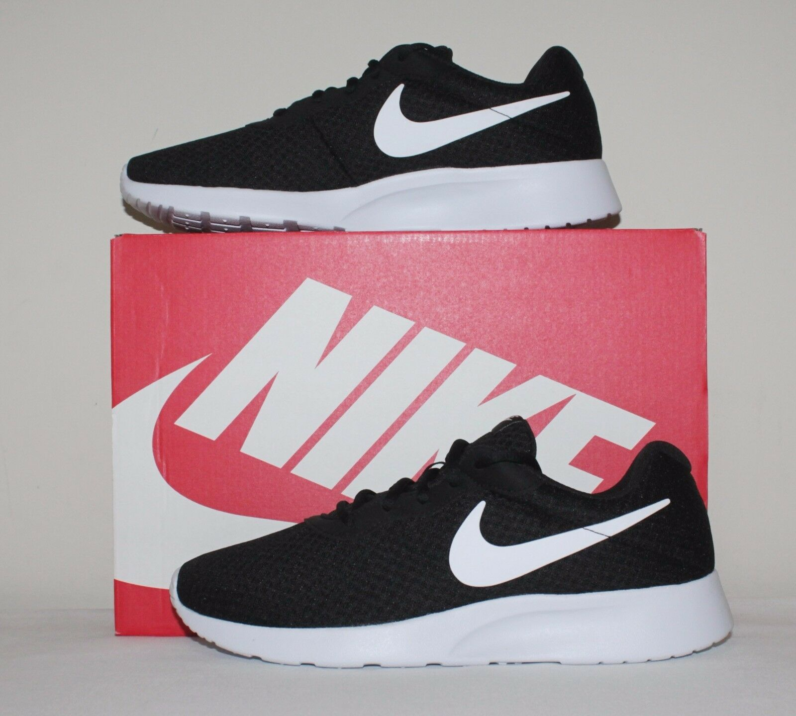 Zapatillas Zapatos Para Correr Nike Hombres Tanjun tamaño 7.5, con 8, 9.5, 10 Nuevo con 7.5, Caja 812654 011 051201