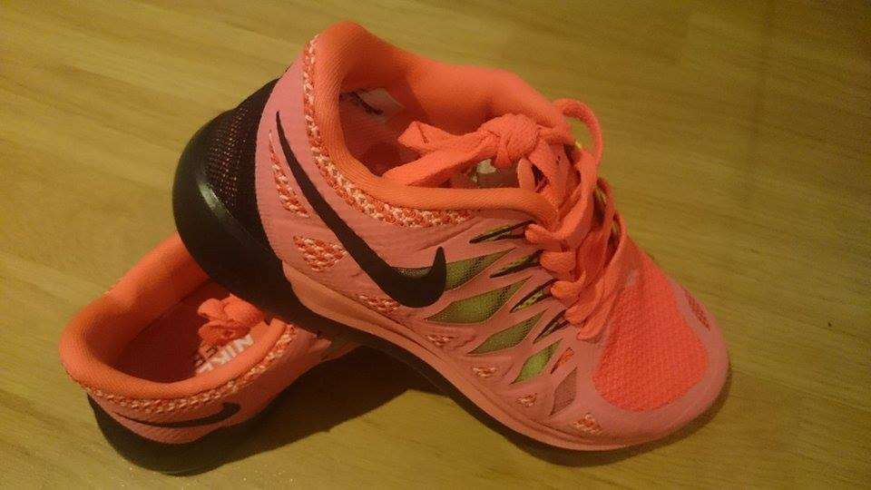 VENTE%%% nike Free Run 5.0 Rose Chaud Noir Femme Baskets UK 5.5 EUR 39