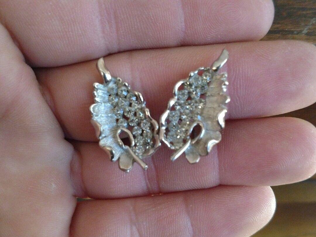 Vintage Classic KRAMER Earrings Silver Tone  Rhinestone 1 inch Clip On Earrings Hallmarked