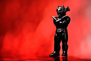 OneUp-Devilman-Vs-Mazinger-Sofubi-Kaiju-Figure-Micro-Mvh-Paul-Real-Head-Sunguts