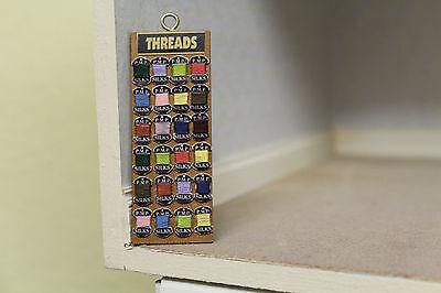Casa De Muñecas Colgar Board = Threads