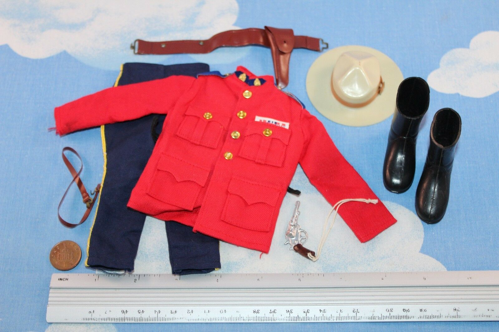 ORIGINAL VINTAGE ACTION MAN CANADIAN MOUNTED POLICE OUTFIT CB30690