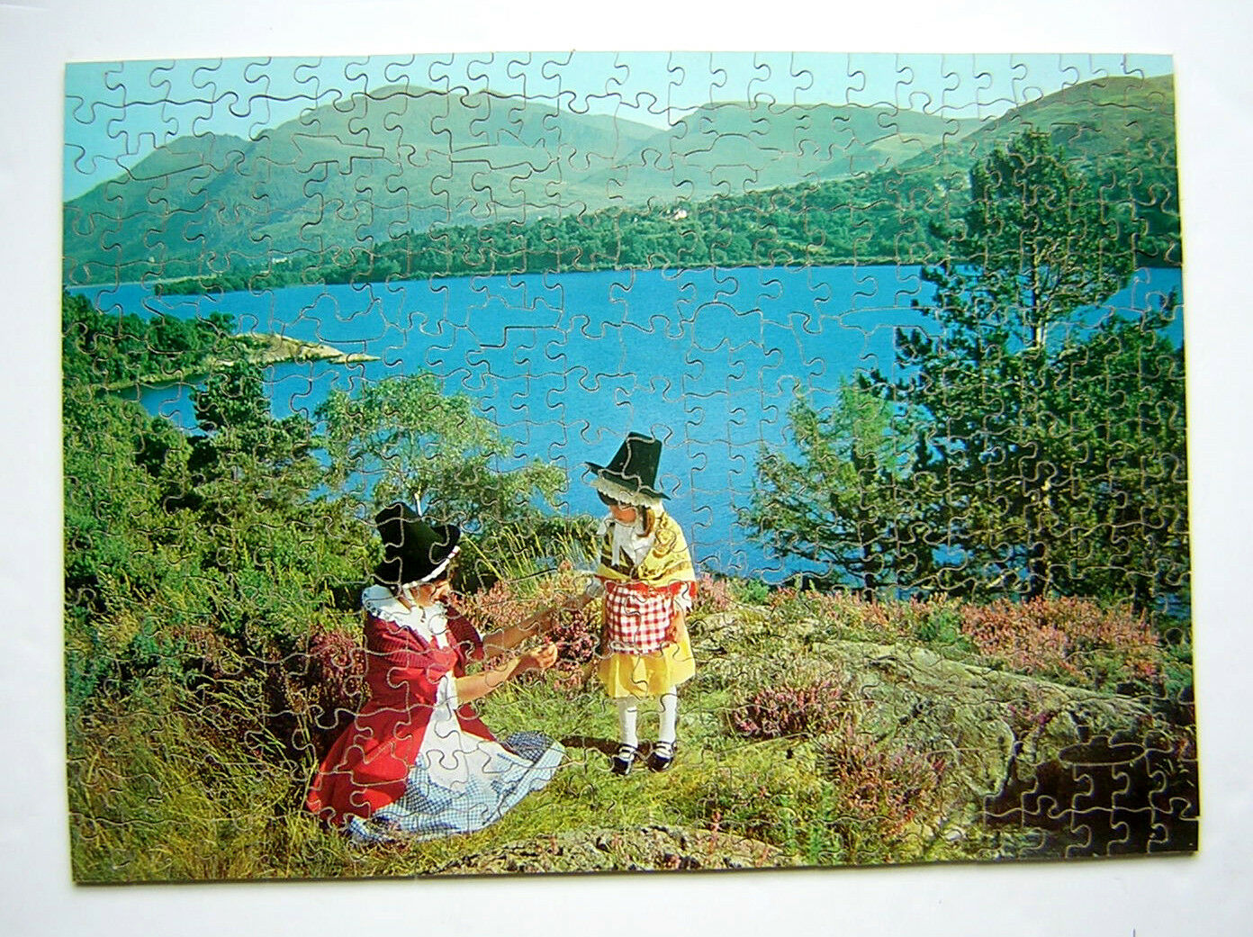 PRIDE OF WALES, Welsh Costume  Victory gold Box Jigsaw Puzzle 400pcs. Excellent