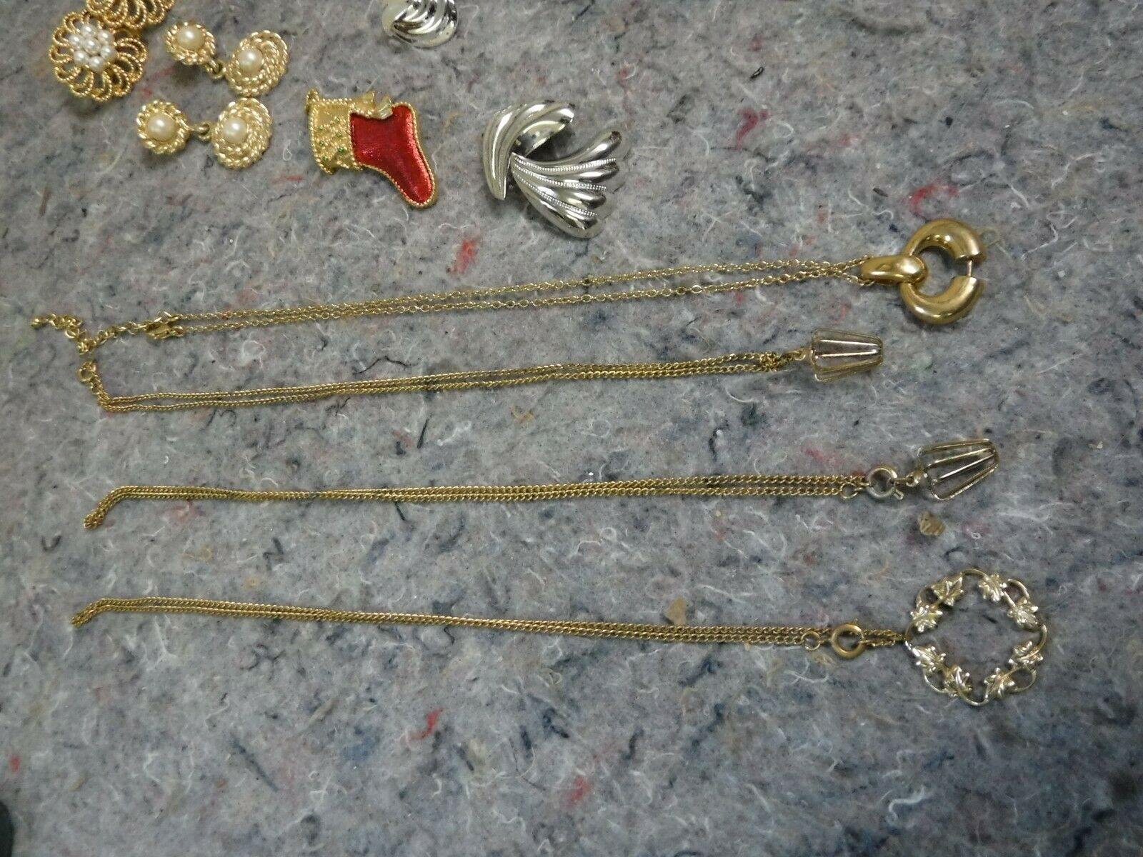 Lot of Mixed Costume Jewelry-Bracelet, Necklace, … - image 2