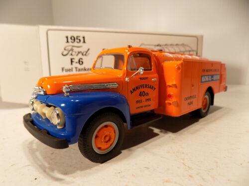 First gear 1951 Ford F 600 Gulf Oil Co Tanker Truck /& Oil Drum NOS MIB # 18-1764
