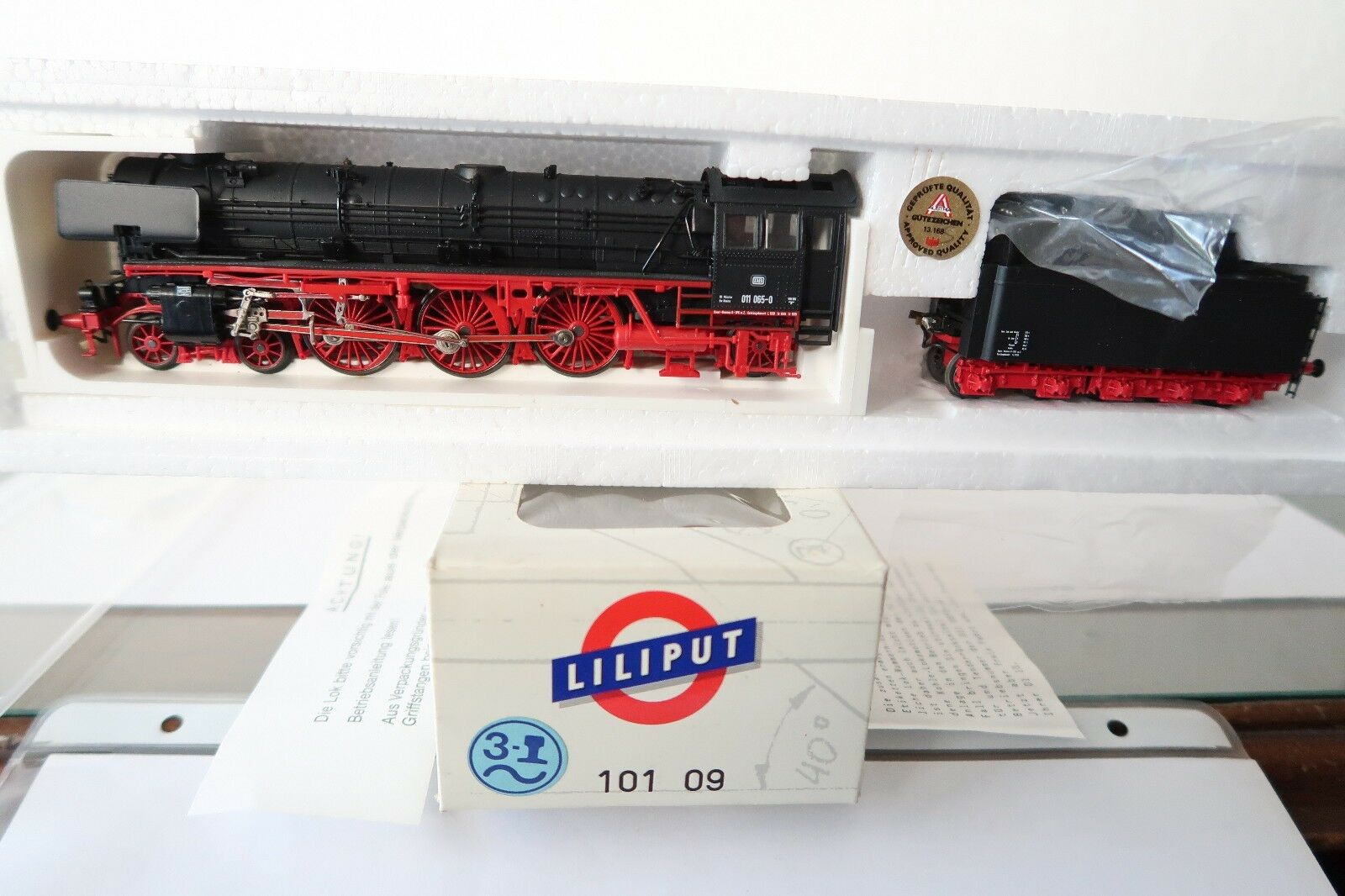 Liliput HO AC 101 09 Dampf Lok BR 011 065-0 DB (AC 144-35S11 4)