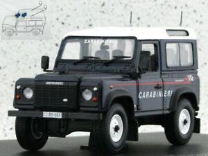 LAND ROVER Defender 90 SW - Carabinieri - Universal Hobbies 1:43