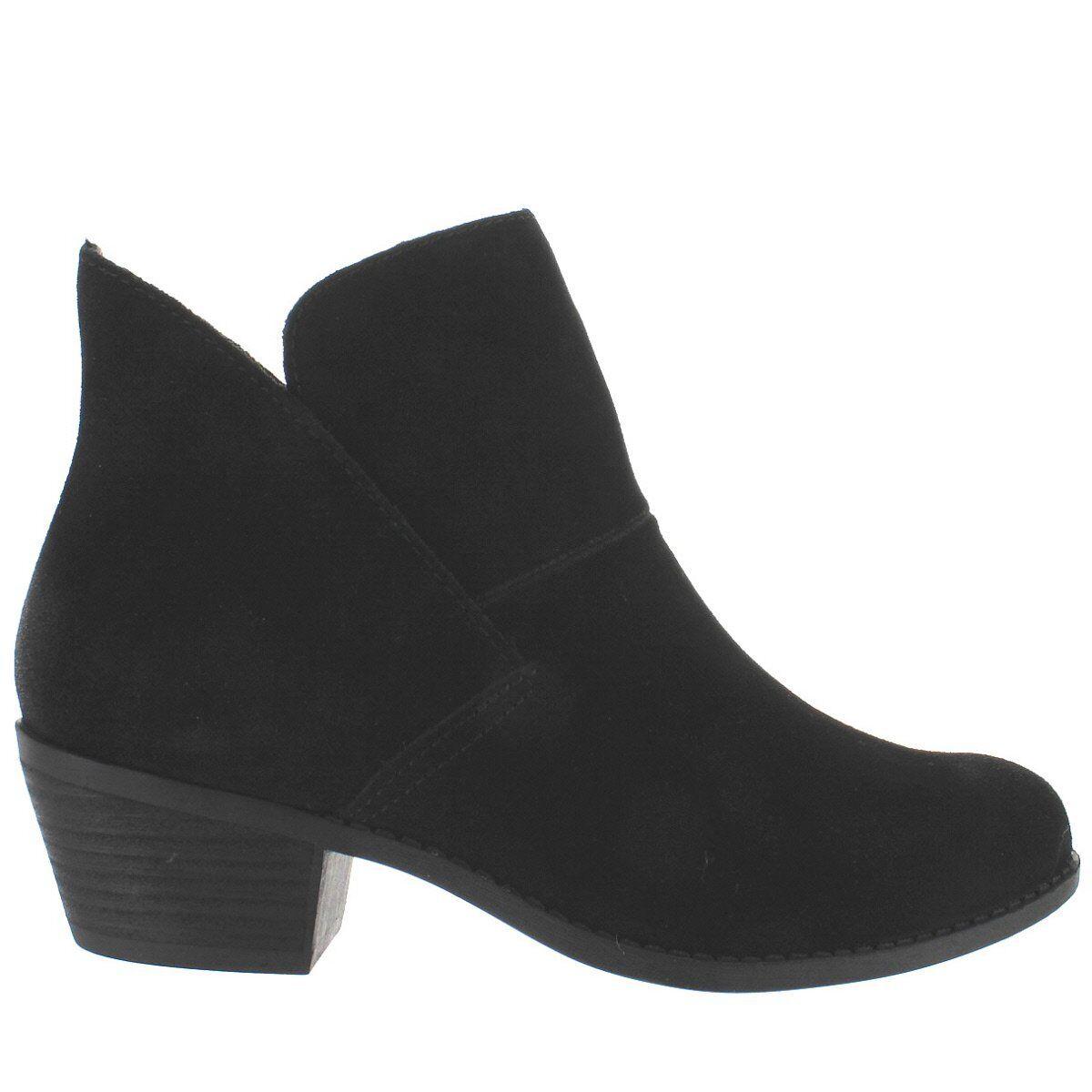 Me Too Zena - Black Suede Short Pull-On Western Bootie