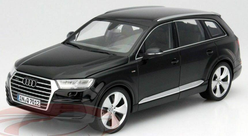 Audi Q7,  schwarz, 2015, 1 18  (Minichamps)