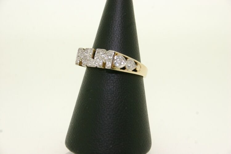9ct Gold Mum Ring With Cz Stones, 2.4g