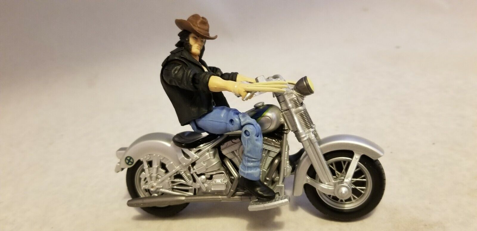 MARVEL UNIVERSE 3.75  LOGAN AND MOTORCYCLE FIGURE (RARE)