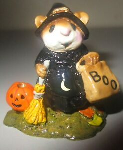 Wee-Forest-Folk-Mouse-Figurine-WITCHY-BOO-Witch-w-Treat-Bag-M120-Halloween-Mint