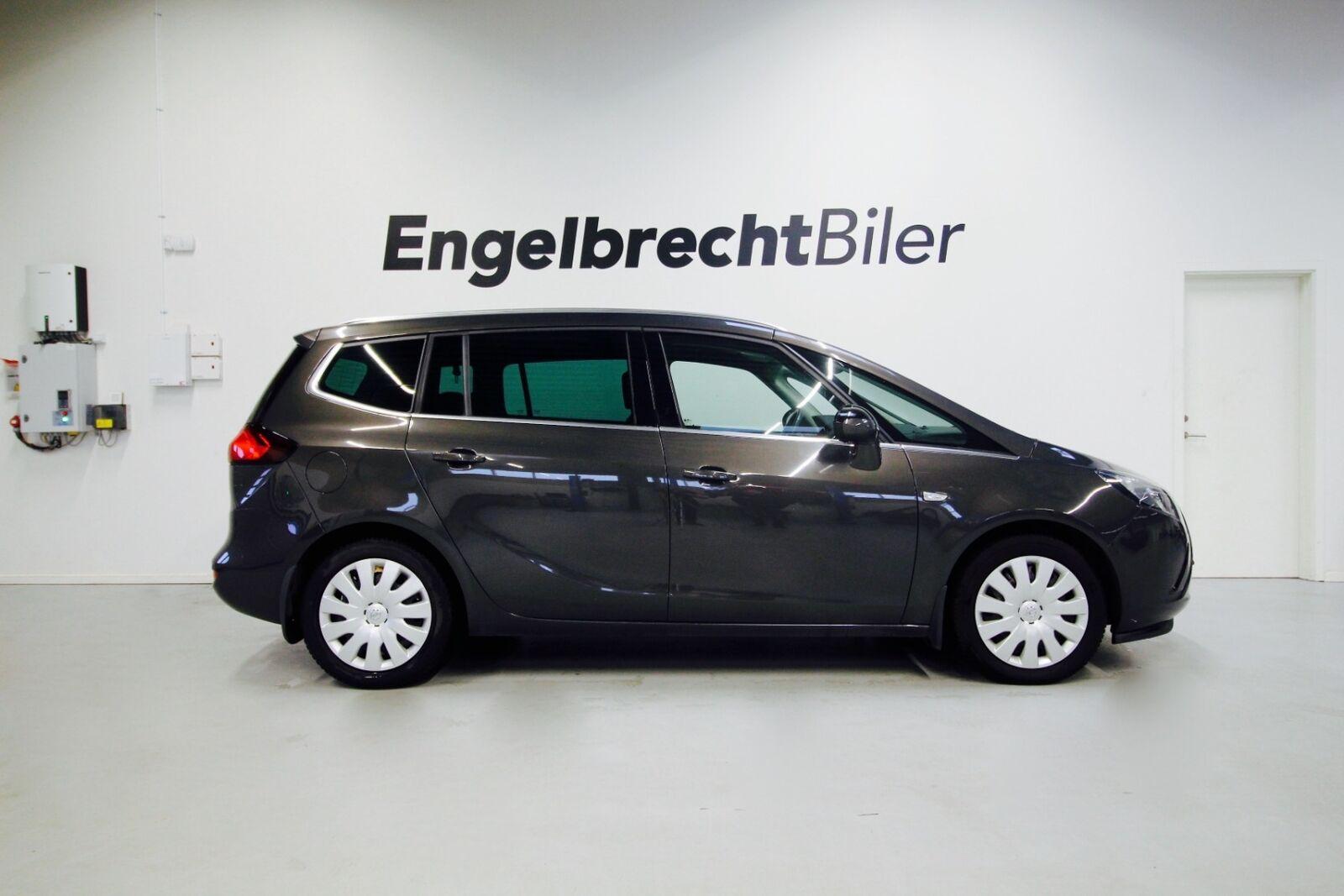 Opel Zafira Tourer 1,6 CDTi 136 Cosmo 5d - 109.900 kr.