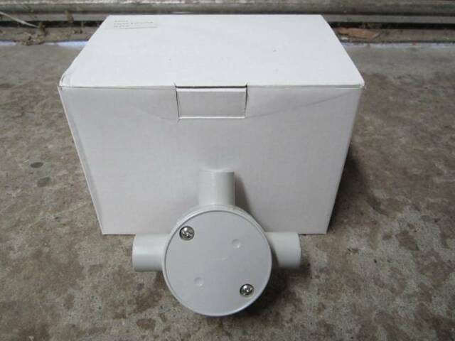 Plastic pipe Conduit 3-way junction box 20mm electrical bulk fitting corner tee