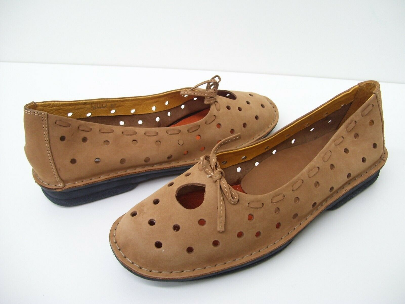 WHIM MILLA LADIES LEATHER FLAT FLATS CASUAL WORK DRESS SHOES TAN SIZE 10