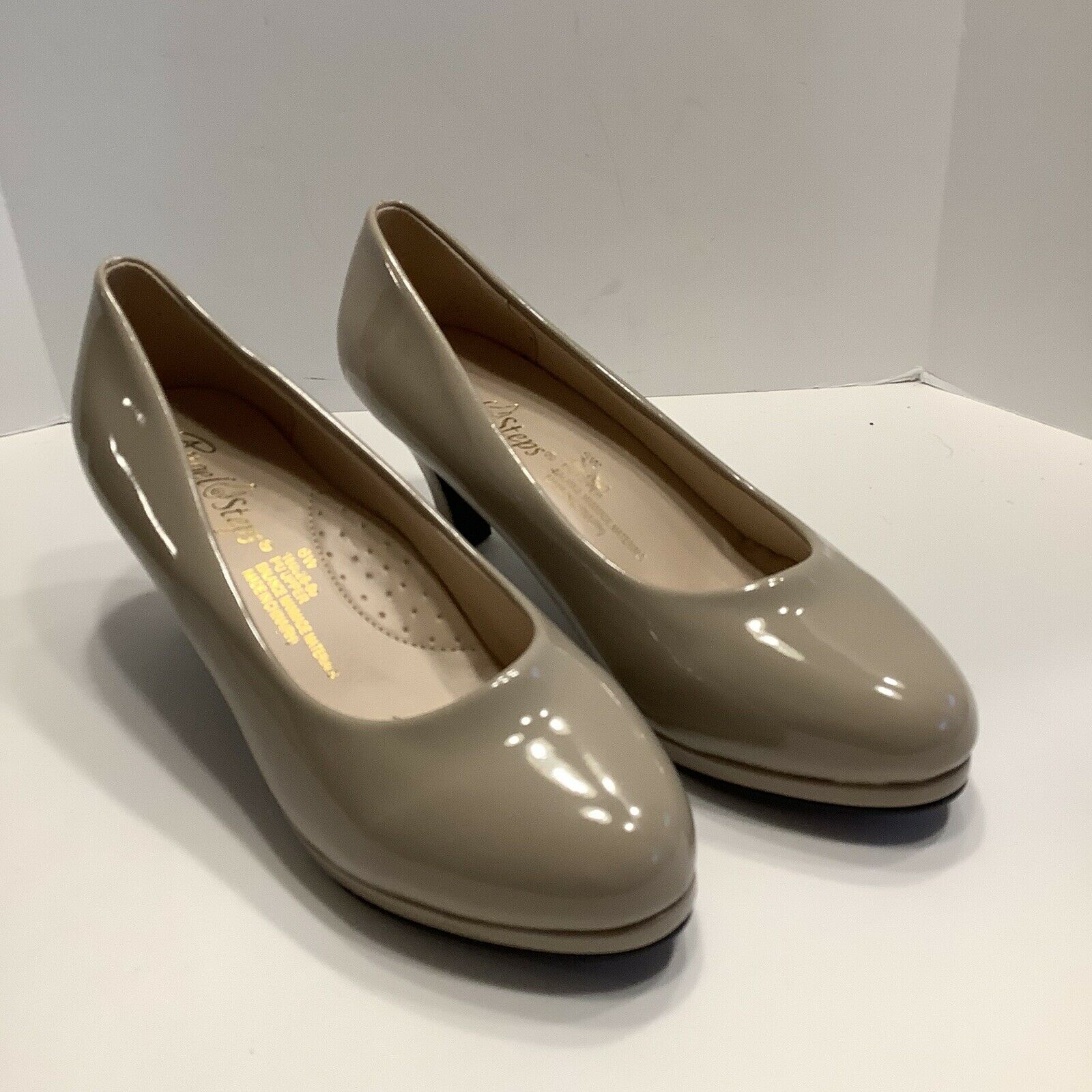 Angel Steps Sophia II Nude Pump Size 6W Shoes, New No Box