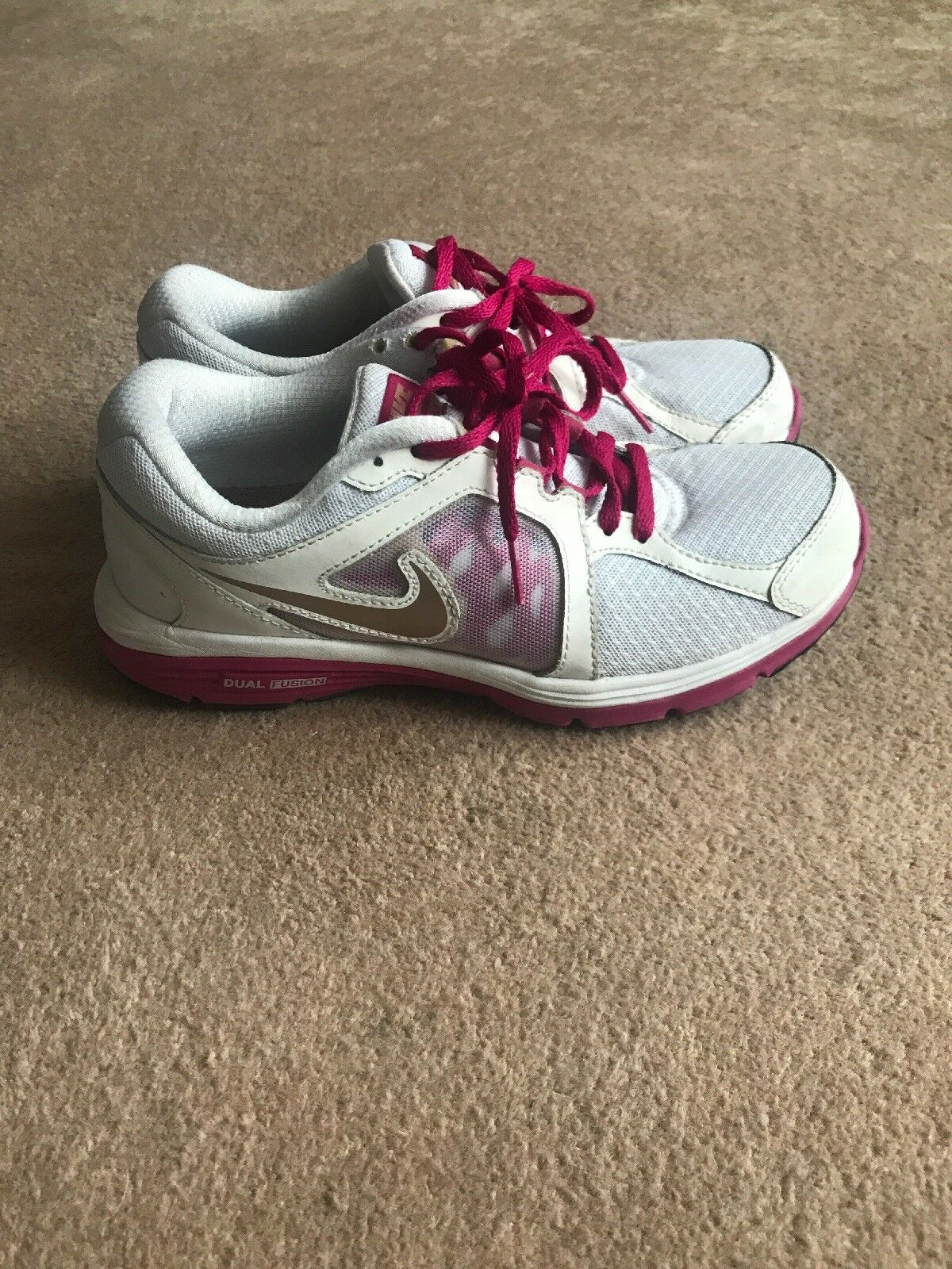 Woman Nike Whte & Pink Dual Fusion Run Trainers  Special limited time