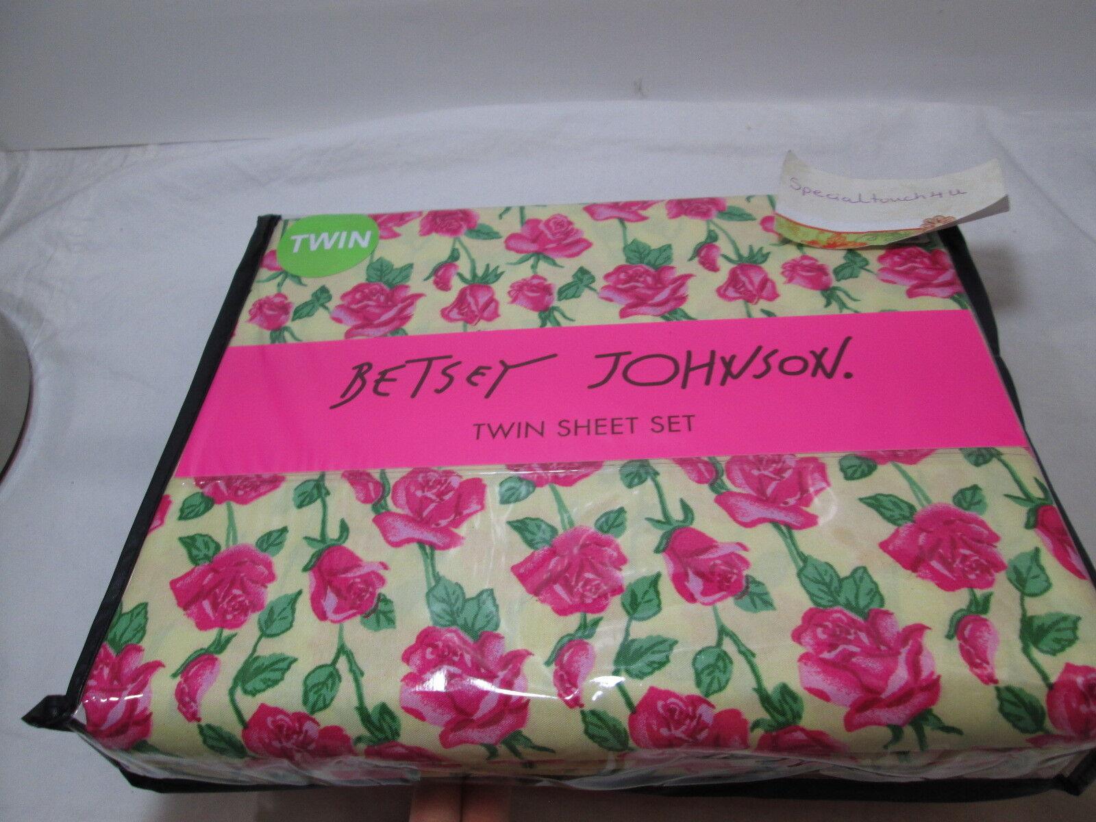 New Betsey Johnson FLORAL VINE pinks Twin Sheet Set  Pink, Green,  Dark Yellow