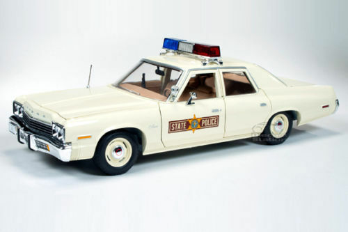 1 18 Autoworld ERTL - 1974 DODGE MONACO ILLINOIS STATE POLICE CAR POLICE