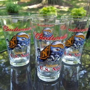 Budweiser-Salutes-U-S-Navy-Pint-Set-of-4-Beer-Glasses-Galloping-Ram-Vintage-EUC