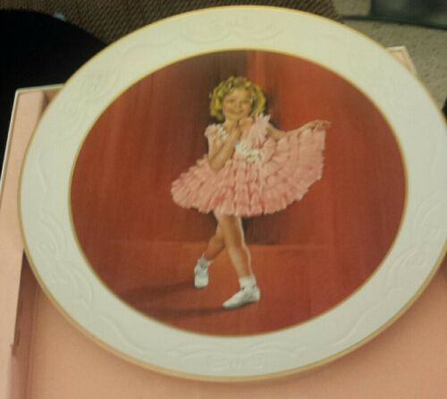 "Shirley Temple Collection Porcelain Plate ""Baby Take a Bow"" 1982 #692"