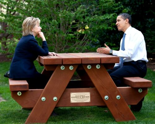 BARACK OBAMA AND HILLARY CLINTON IN 2009-8X10 PHOTO ZY-256