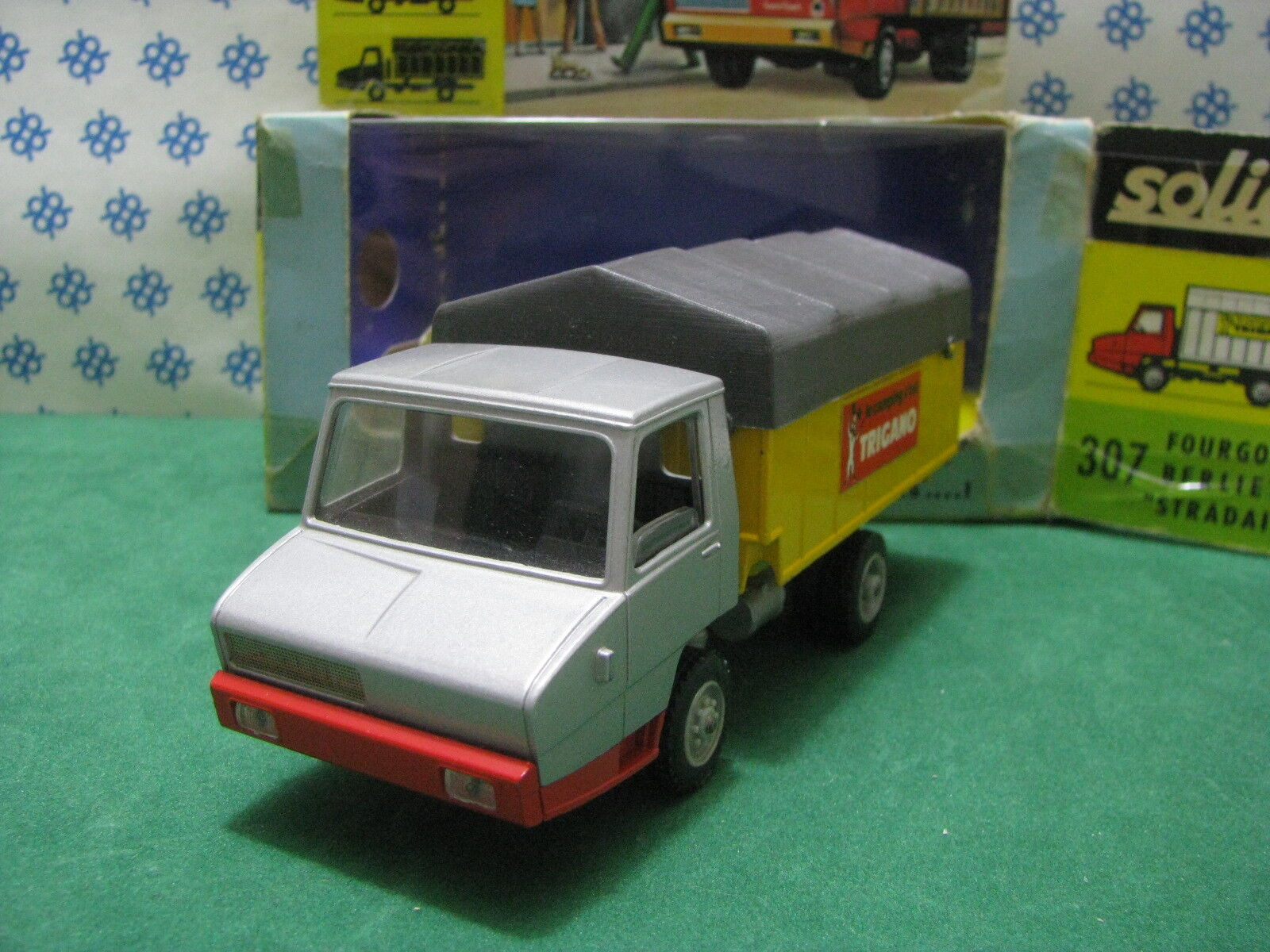 Estremely Rare - FOURGON BERLIET   Stradair   - 1/50 Solido Ref. 307 MIB