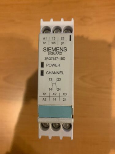 SIEMENS 3RG7857-1BD Safety Relay Used For Safety Edges 24 Vdc 4 Amp