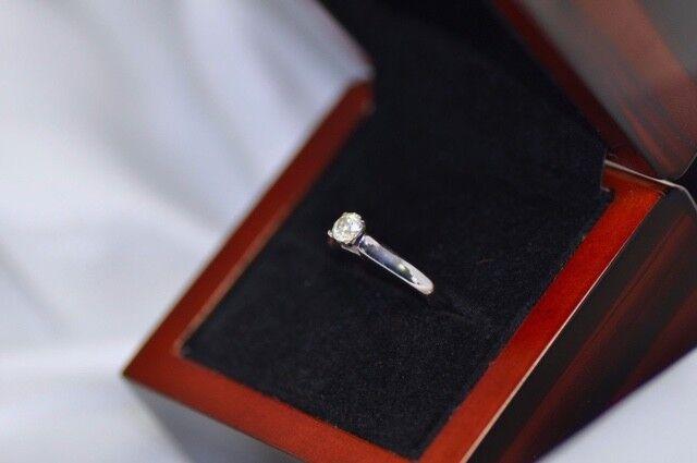 Genuine 0.38Ct Diamond Engagement Solitaire Ring 14K White gold