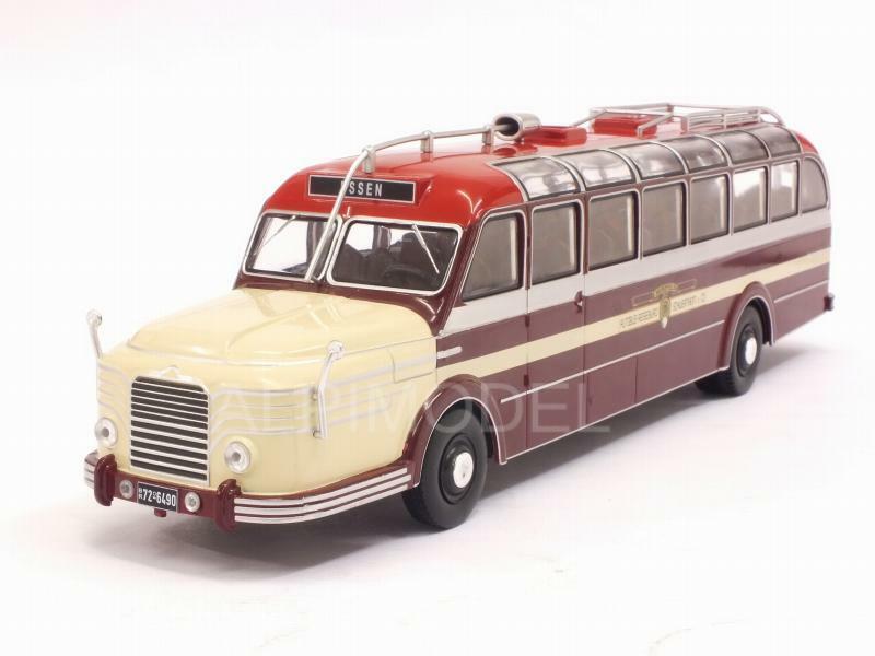 Krupp Titan 080 Bus 1951 1 43 IXO BUS010