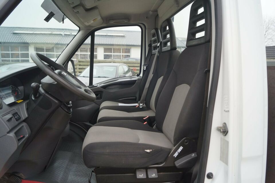 Iveco Daily 2,3 35S15 3750mm Lad Diesel modelår 2014 Hvid km