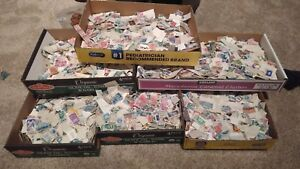 300-Pieces-Of-Used-US-postage-Stamps-Off-Paper-Lots-Of-Variety