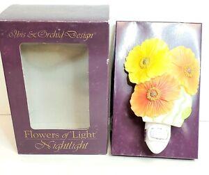 NIB IBIS & ORCHID Design Flowers of Light Nightlight Icelandic Poppies