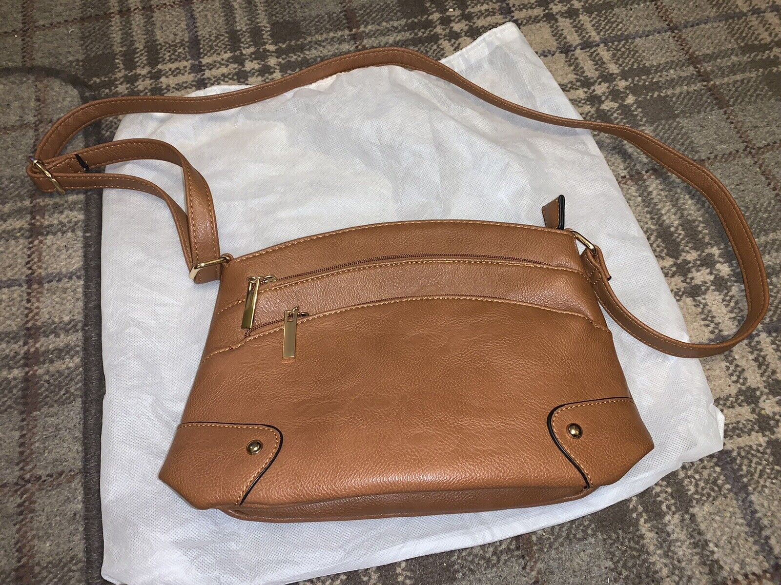 Red Cuckoo Cross Body Shoulder Bag Tan Brown. Dust Bag. Zip Pockets. New. Strap