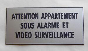 """plaque  """"ATTENTION APPARTEMENT SOUS ALARME ET VIDEO SURVEILLANCE"""" ft 98x200 mm"""