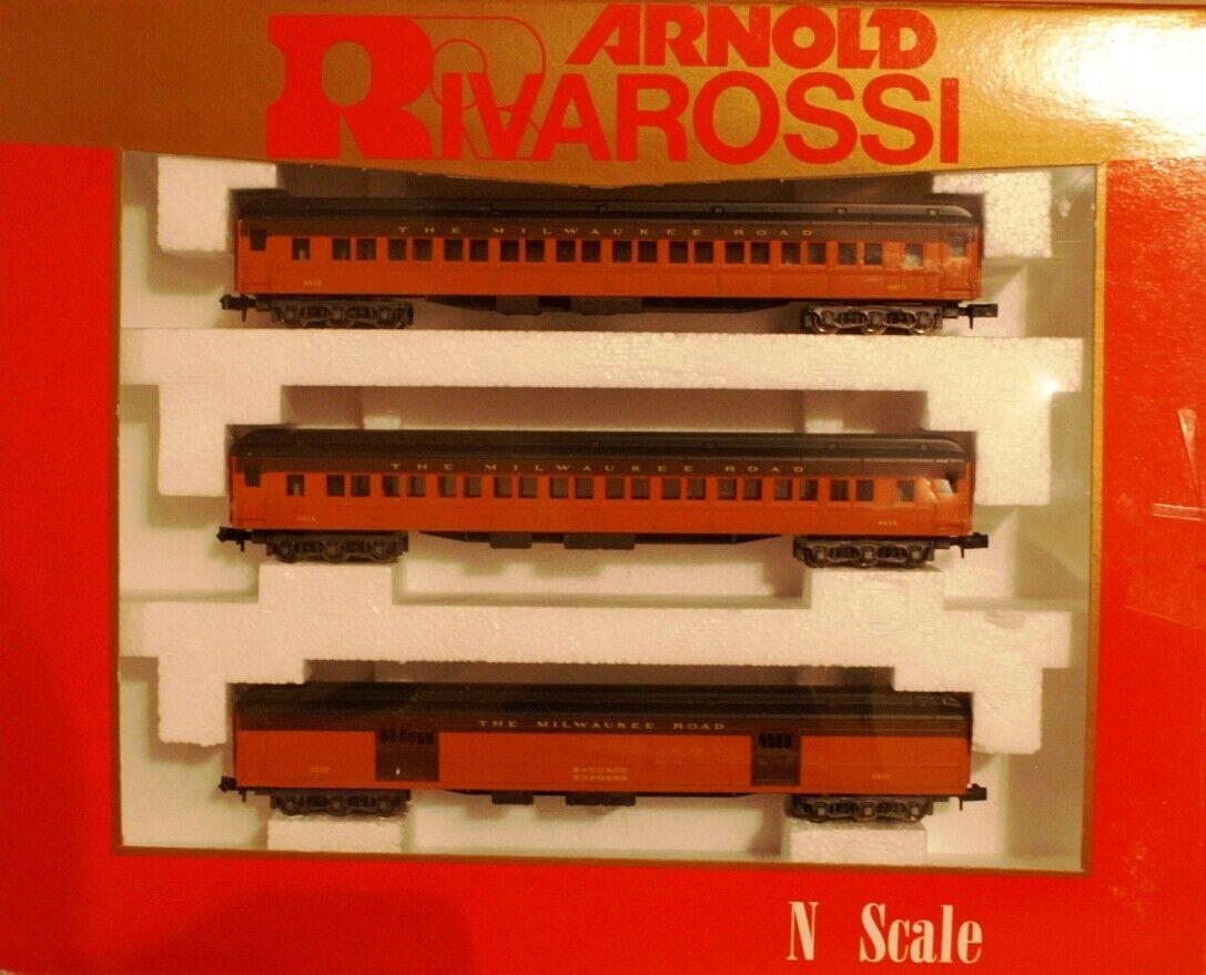 Molto raro NIB Arnold   RivRossi 6 auto Milwaukee strada Passegger Set