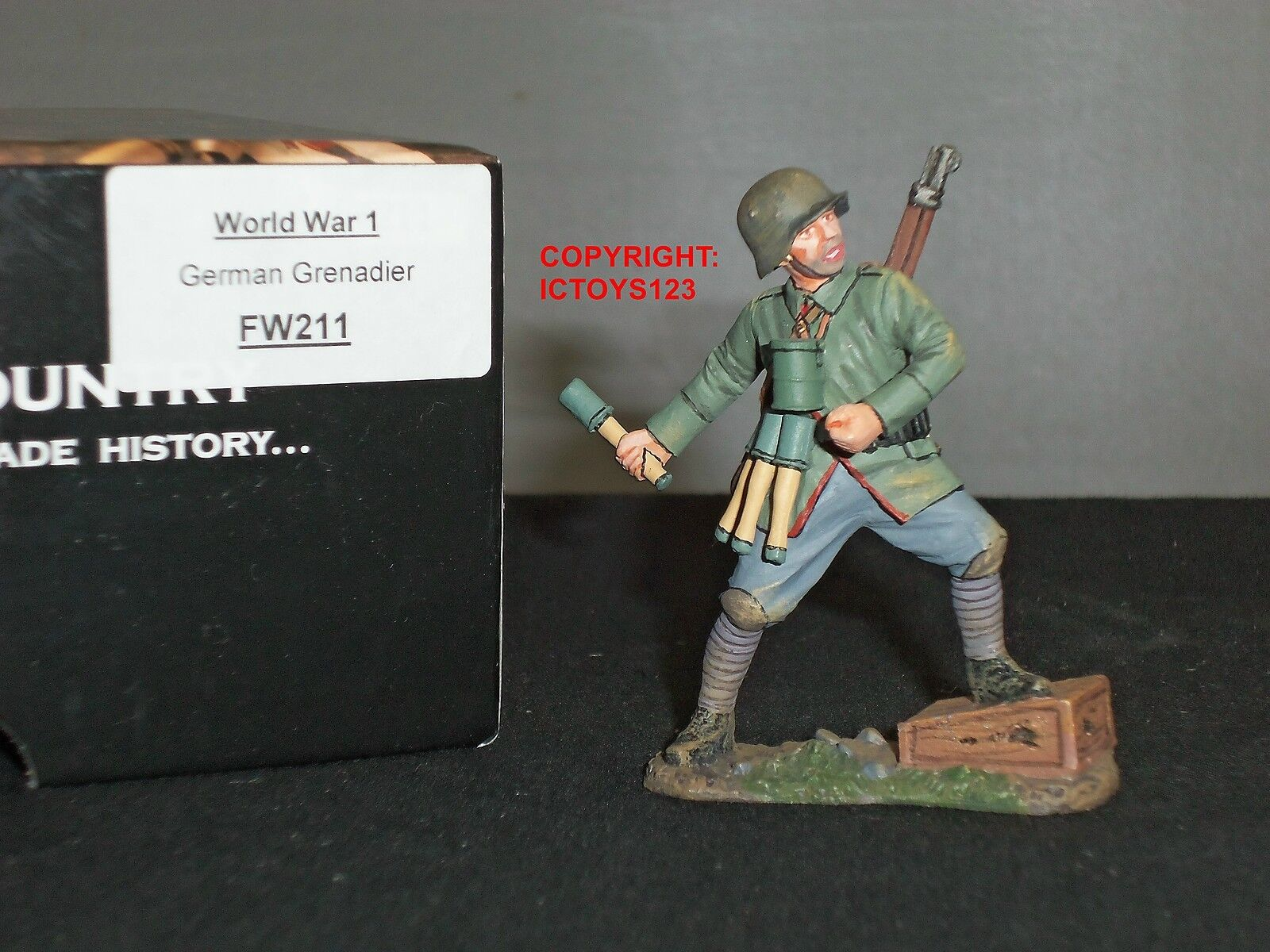 KING AND COUNTRY FW211 WORLD WAR ONE GERMAN GRENADIER METAL TOY SOLDIER FIGURE
