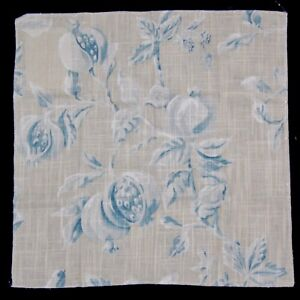 FABRIC-SAMPLE-SWATCH-Zoffany-Magnolia-Pomegranate-17x17-034-Cream-Blue-Floral-Quilt