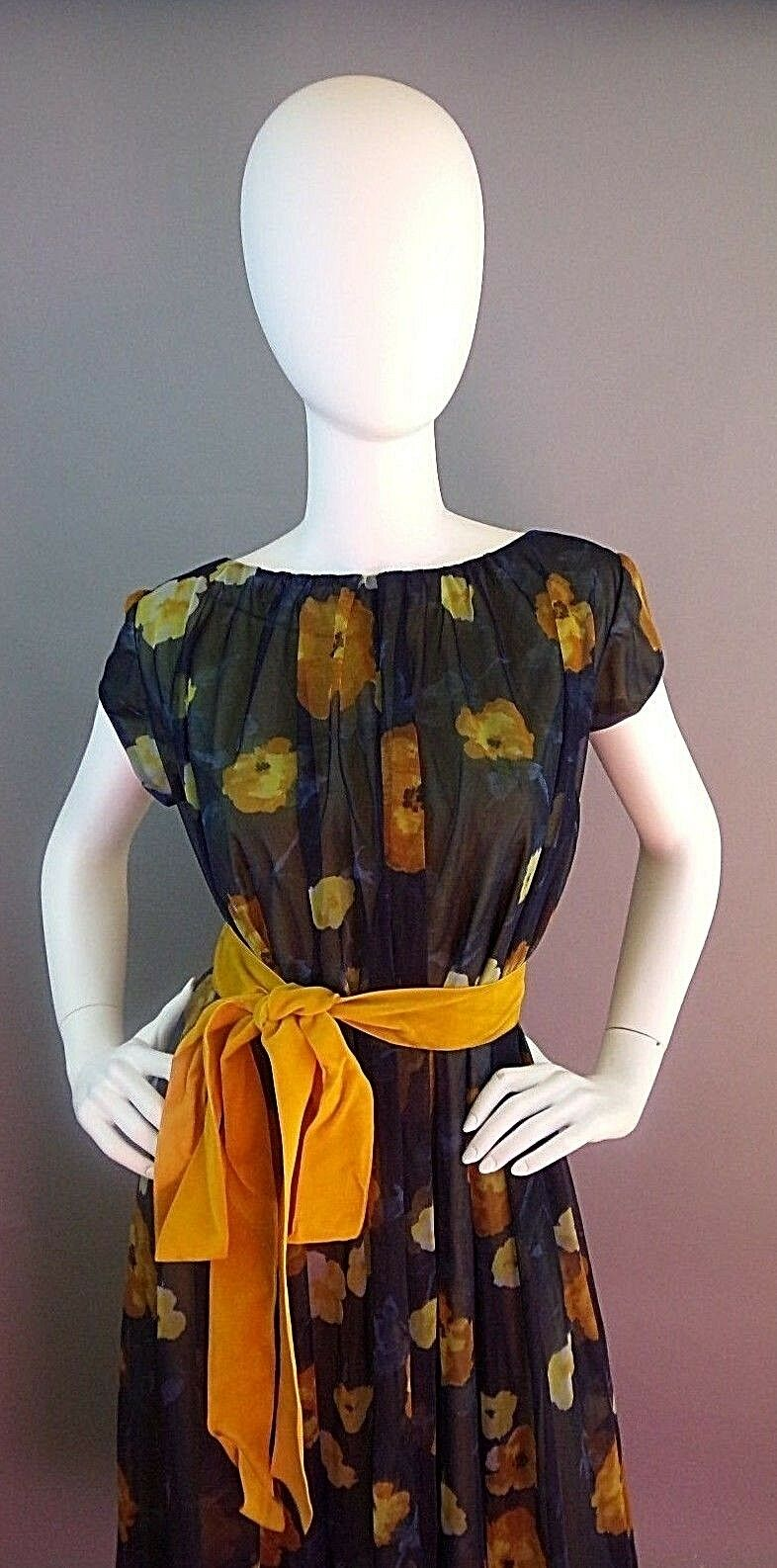 VINTAGE LUCIE ANN BEVERLY HILLS 1950s NIGHTGOWN - image 4