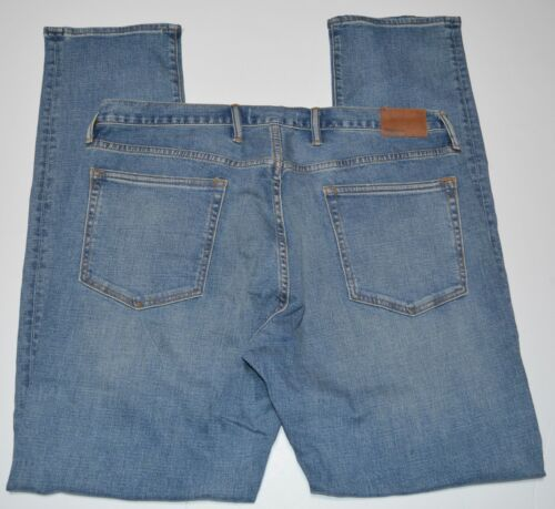 Gap Men/'s Athletic Destructed Taper Fit Jeans in GapFLex NEW