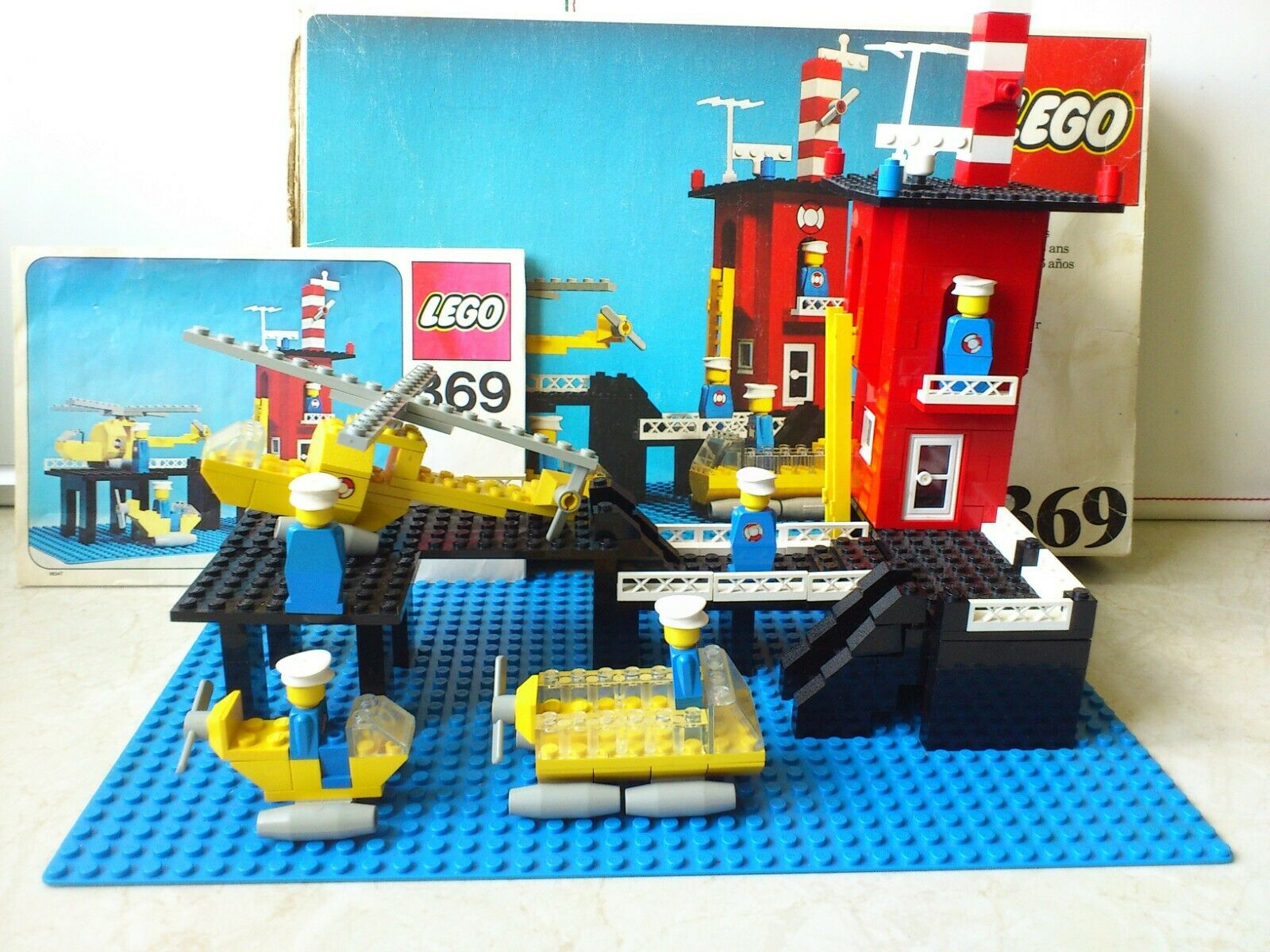 Vintage Lego set no 369 from 1976 with original box and manual.