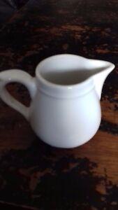 petit-pot-a-lait-blanc